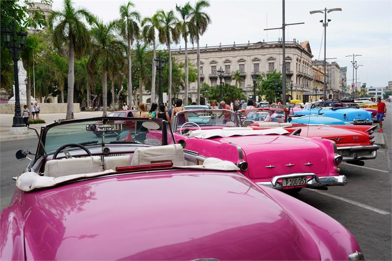 Aug 2017 - Vintage car in  Havana (2)