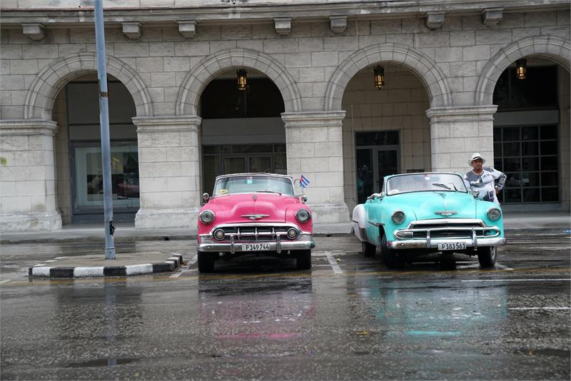 Aug 2017 - Vintage cars in  Havana (2)