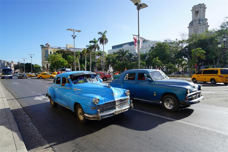 Aug 2017 - Vintage cars in  Havana