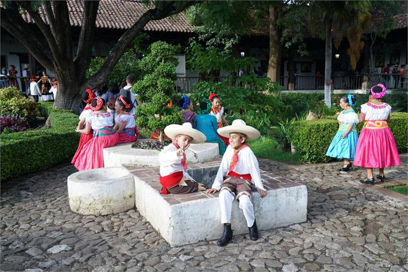Sep 2017 - Cowboys in  San  Cristobal